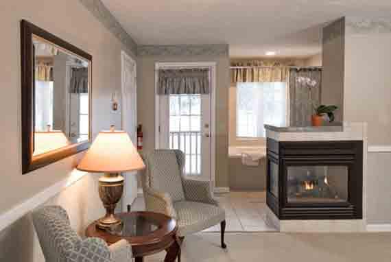 Pearl Cascade Room